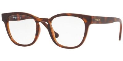 Dioptrické brýle Vogue model 5273, barva obruby hnědá lesk, stranice hnědá lesk, kód barevné varianty 2386.