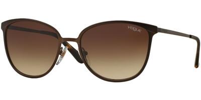 Sluneční brýle Vogue model 4002S, barva obruby hnědá mat, čočka hnědá gradál, kód barevné varianty 934S13.