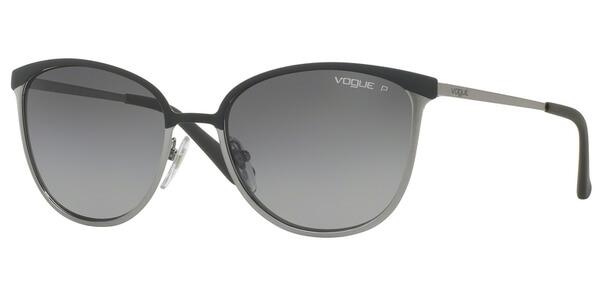 Sluneční brýle Vogue model 4002S, barva obruby černá mat stříbrná, čočka šedá gradál polarizovaná, kód barevné varianty 995ST3.