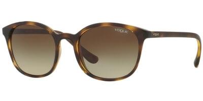 Sluneční brýle Vogue model 5051-S, barva obruby hnědá lesk, čočka hnědá gradál, kód barevné varianty W65613.