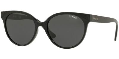 Sluneční brýle Vogue model 5246S, barva obruby černá lesk, čočka šedá, kód barevné varianty W4487.