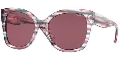 Sluneční brýle Vogue model 5338S, barva obruby fialová lesk zelená, čočka fialová, kód barevné varianty 286869.