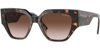 Sluneční brýle Vogue model 5409S, barva obruby hnědá lesk, čočka hnědá gradál, kód barevné varianty W65613.