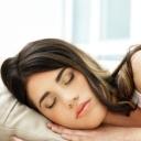 Spaní v kontaktních čočkách je bezpečné