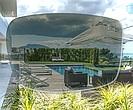 Samozatmavovací brýlová čočka Zeiss PhotoFusion DuraVision Platinum okamžitě reaguje na změny světla a zároveň je odolná díky prémiové povrchové úpravě.