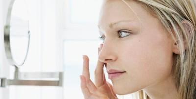 jak vyndat kontaktní čočky